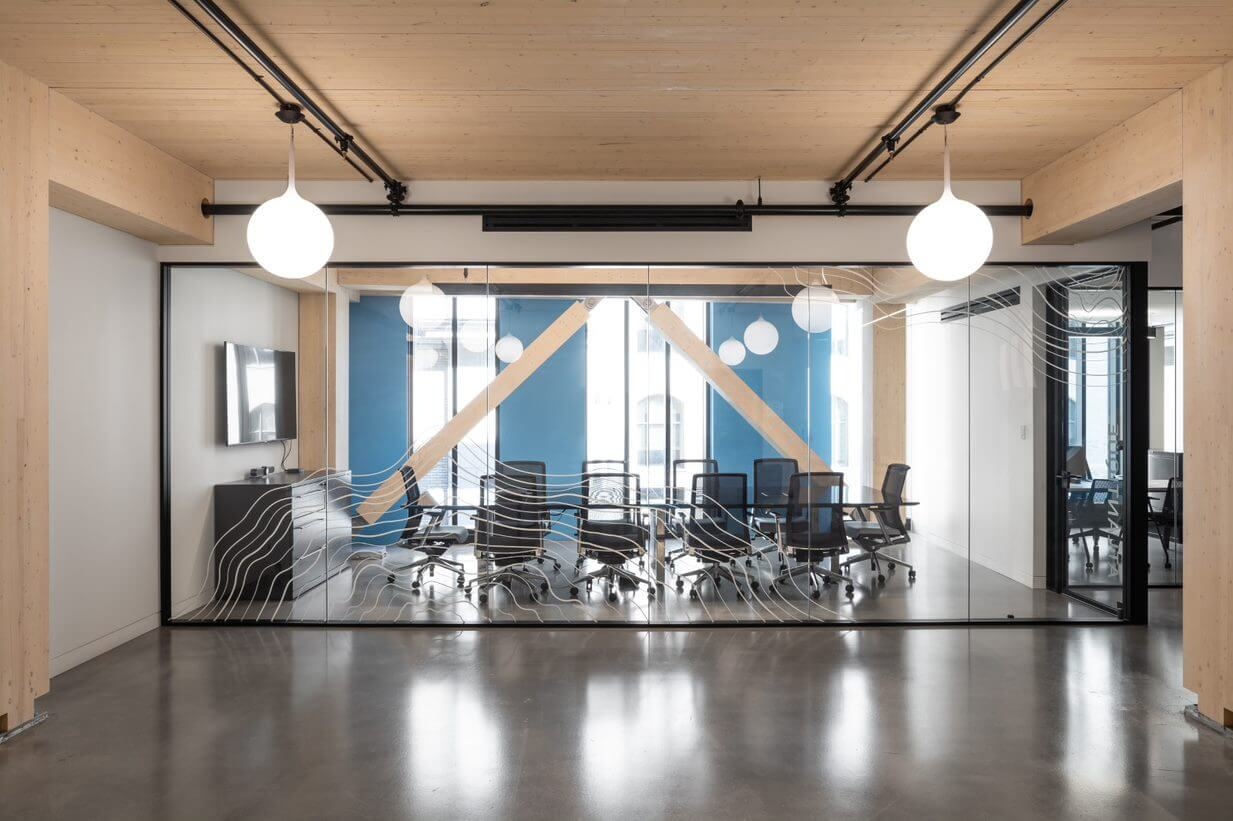 Hub Becoming Elsewhere
